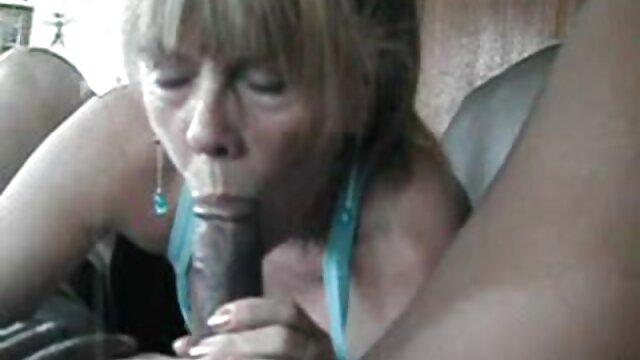 Chica de magníficas tetas penetradas x el ano en webcam