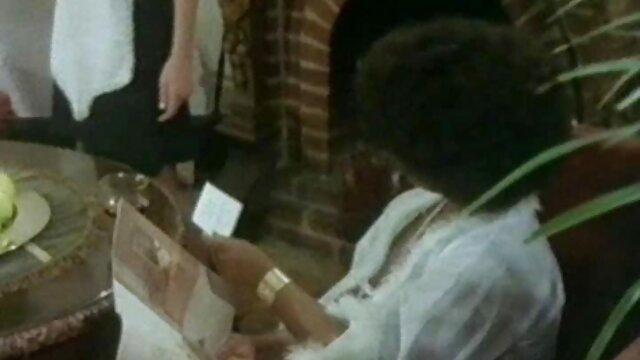 Esposa amateur follada en xxx x el ano grupo por hombres negros en su aniversario