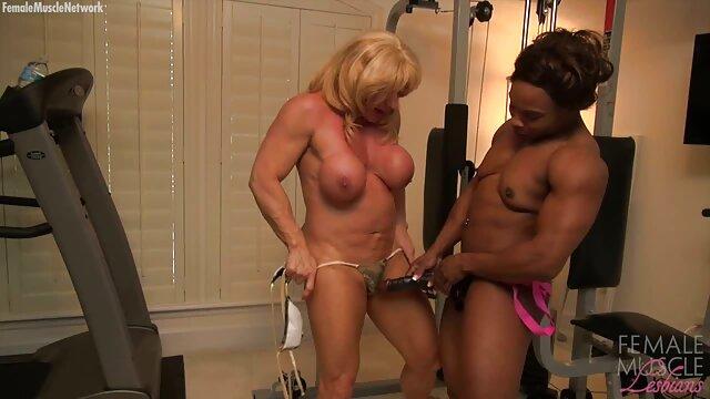 Rubia caliente muestra sus pies sexy, mujeres metiendose cosas al ano por blondelover
