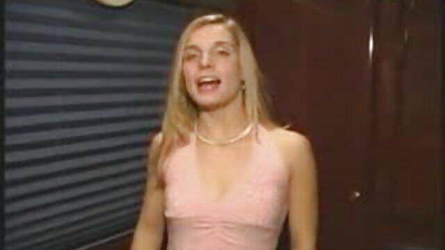 Casting para porno - Charlotte - Adolescente cojiendo por ano rubia gordita