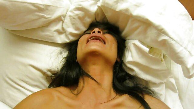 verdadera esposa de ébano se engancha sexo por el ano gratis