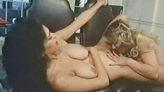 Cindy Picardie baisee dans les toilettes par mujeres cojidas por el ano un vieux